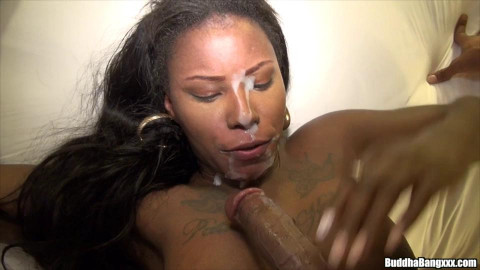 huge booty ebony Jamaica Bandz loves to ride big dick