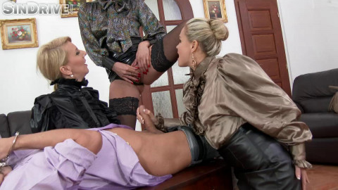 Slave Of The Day: Freaks Get Their Pee On...