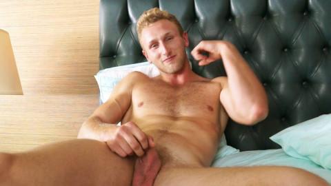 Bisexual Hunk Jamie Pavel Strokes his weenie for u
