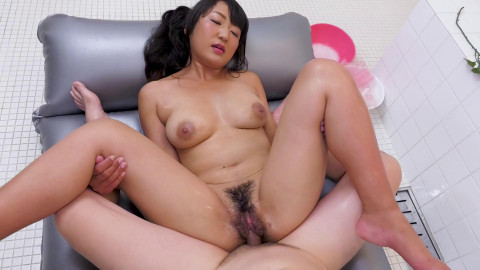 MILFs Raunchy Service at the Soapland Vol. ASS TO MOUTH