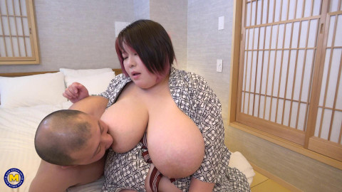 Huge breasted BIG BEAUTIFUL WOMAN Japanese lady begging for a creampie