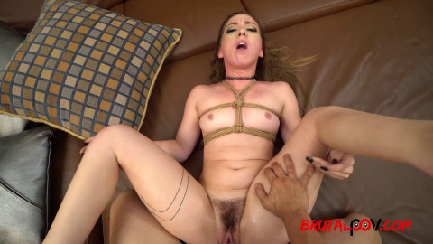 Taylor Pierce - Submissive Groupie