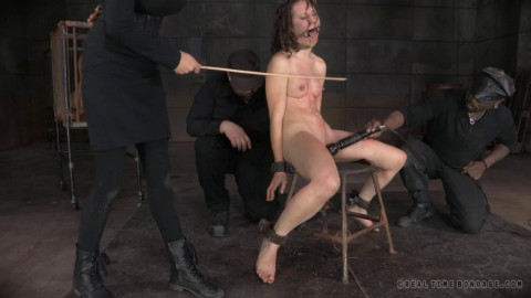 Realtimebondage - Feb 03, 2015	- Sexy MILF Syren De Mer - shackled down