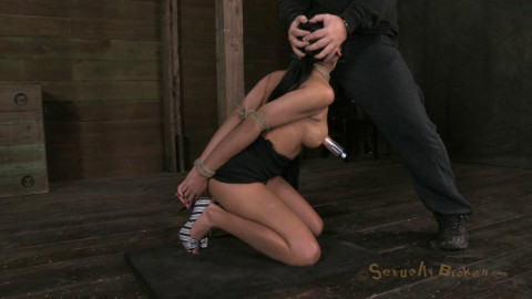 Hot Cougar with a deep throat