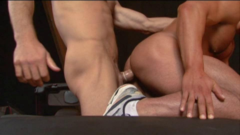 Muscle Men In Brutal Anal Sex