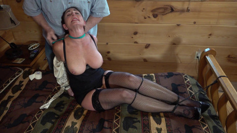 Carissa Dumond: Ivan Lucks out animal play the Cabin