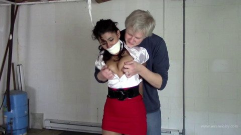 Enchantress Sahrye - Carried In and Strung Up