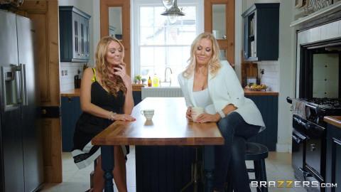 Rebecca Moore, Stacey Saran - Rub And Tug Tub FullHD 1080p