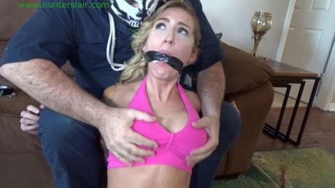 HunterSlair - Reagan Lush - Hoe alone and tied up by the burglar