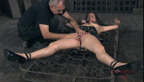 Bondage Pig Part One - Sister Dee
