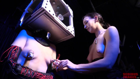 Ultra rough power play - Elise Graves and Mercy West - Boxed In