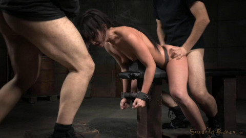 Jennifer White shackled down and roughly fucked with brutal blowjobs