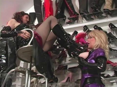 HD Bdsm Sex Videos Amanda Wildefyres Rubber Slaves Rubber Boot Slut