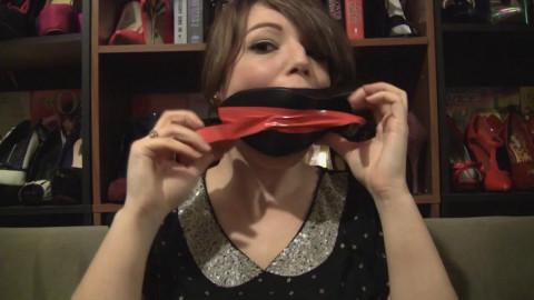 Elizabeth Andrews - How To Wear A High Heel Gag
