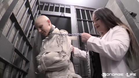 Straightjacket in prison