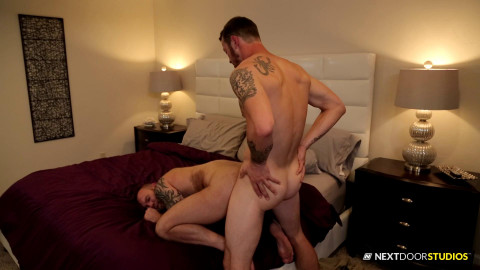 Mark Long fucks Damien Michaels asshole (1080p)