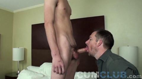 Sucking Young Cum (Taylor Hamilton, Seth Chase)