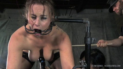 Infernal Restraints - Return of the Panty Sniffing Perverts - Bella Rossi, Elise Graves
