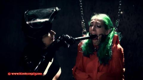 Tight restraint bondage, strappado and castigation for very hawt slavegirl