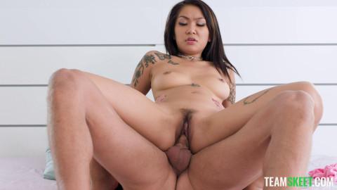 Yumi Sin - Getting My Job Back