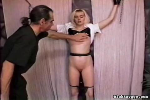 Bondage Virgin: Blondie hi