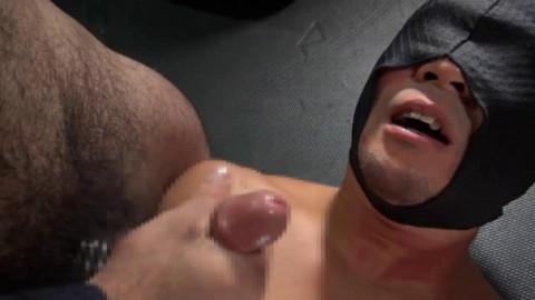 Japanese muscle bear in fuckfest