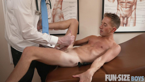 FunSizeBoys - Chase - Chapter 1 - Dr Wolfs Office