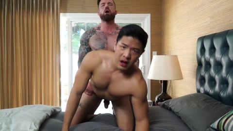 Straight hunk Jordan Levine feeds fresh guy Cooper Dang his load