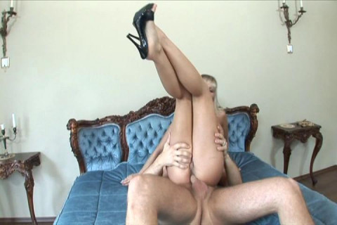 Sexy Lady Anal Drilled