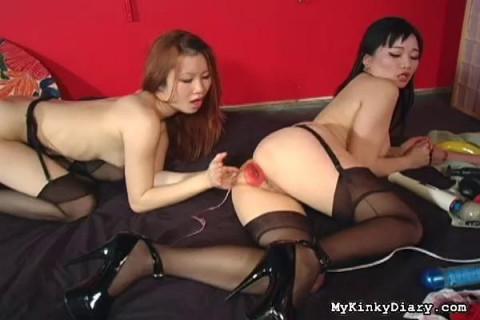 Asians Strike a Pose