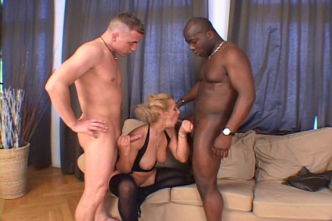 Nickole gets a double anal-fuck
