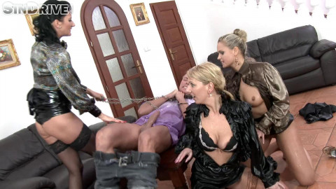 Slave Of The Day: Freaks Get Their Pee On (01 Apr 2016)