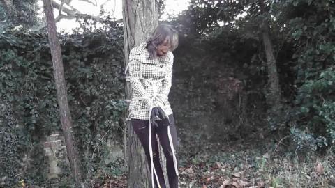 Malika Likes Ropes