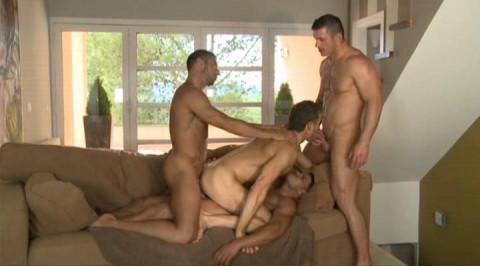 Muscle Men Like Wild Orgies