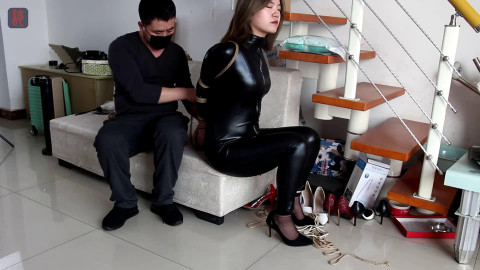 Tight tying, domination and torment for very hawt beauty in latex Full HD 1080p