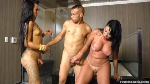 A Travesti Nicolly Pantoja Fazendo Sexo No Gel(2015)