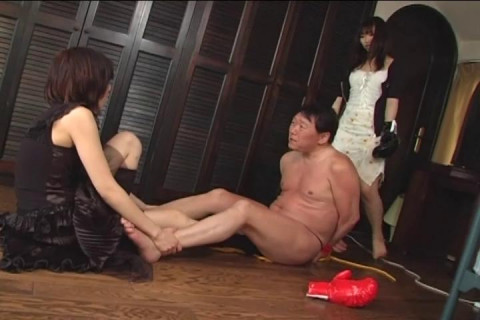 Beating a bound man in Japanese Femdom using kicks and boxing gloves - Mingen Sandbag