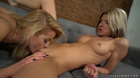Cherry Kiss & Gina Gerson In Hot Fisting