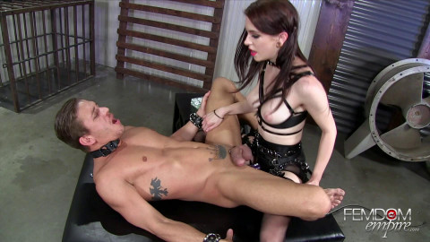 Anna Deville Stretching his boyhole 1080 (2016)