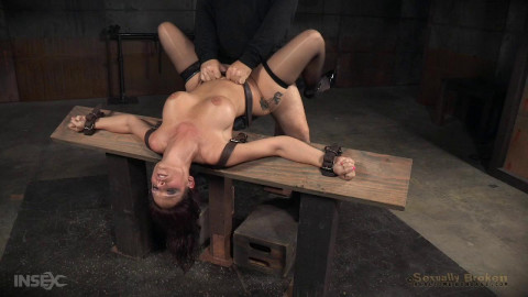 Grand finale of Syren de Mer BaRSs show with punishing