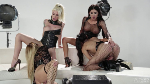 Aubrey Kate, Domino Presley, Venus Lux & Jessica Drake