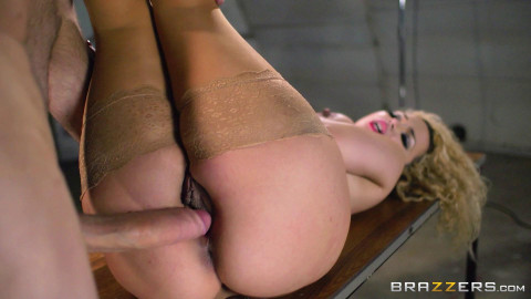 Naughty British Girl In Hot Scene