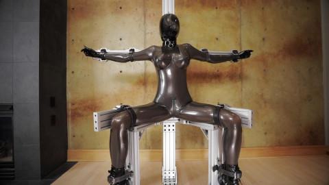 Serious restraint bondage chair