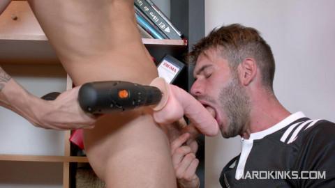 TV Repairman Into Slave (Alec Loob, Axel Max)