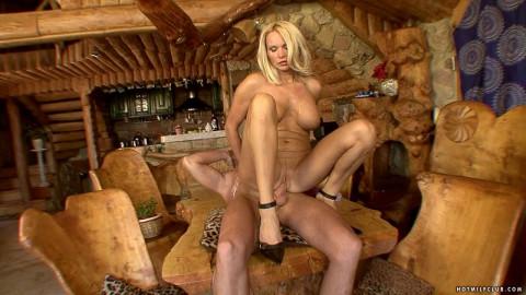 Hot Milf Winnie
