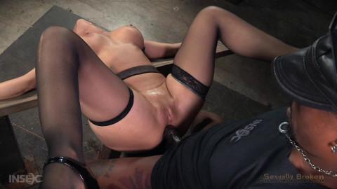 SexuallyBroken - Nov 23, 2015 - Grand finale of Syren de Mer BaRSs show with punishing BBC