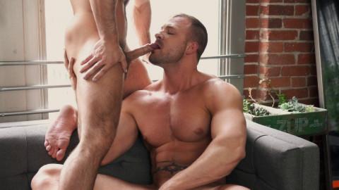 Muscle Boys Bareback At Sofa