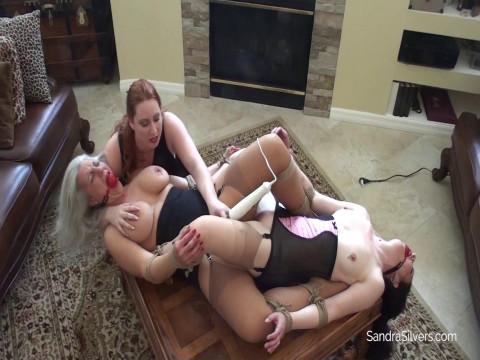 Gorgeous Girdled Scissoring MOTHER ID LIKE TO FUCK Slaves, Brought to Bondage Orgasm