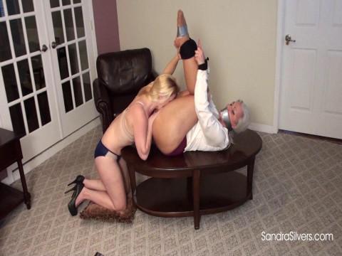 Skinny Blond Bosslady Gives Oral Sex Bonus to Buxom Bound Secretary!