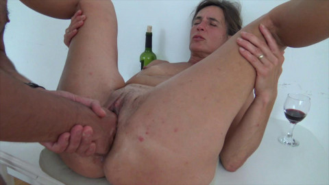 NEW EuroMature: Rita the hot old MILF Fisted